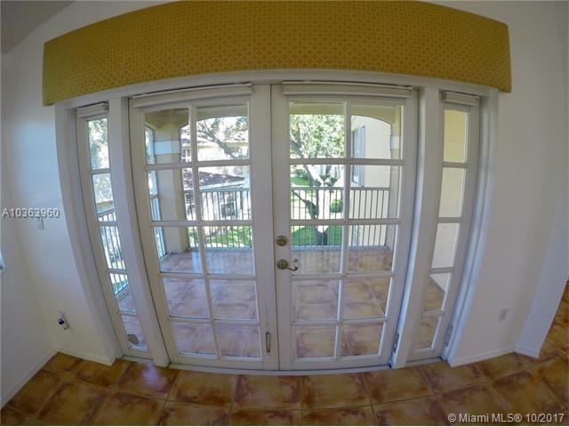 14807 Balgowan Rd, Miami Lakes, FL - USA (photo 4)