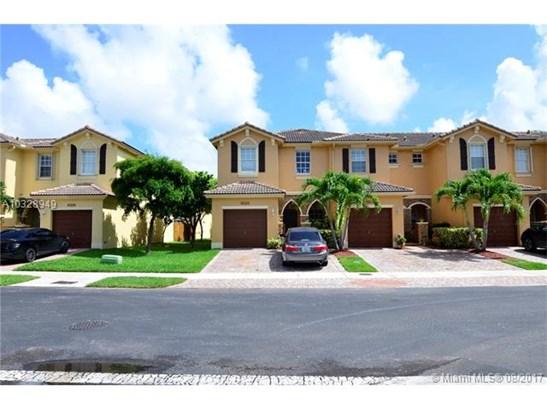 Condo/Townhouse - Cutler Bay, FL (photo 1)