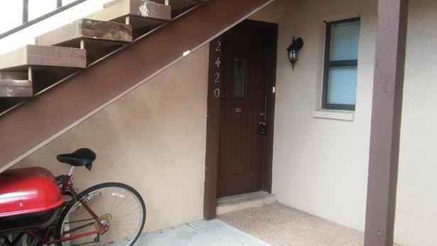 2420 Se Garden Terrace Unit 205, Port St. Lucie, FL - USA (photo 5)
