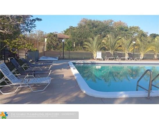 4241 Nw 19th St #158, Lauderhill, FL - USA (photo 5)
