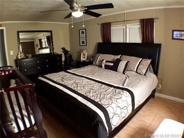 Single-Family Home - Dania Beach, FL (photo 4)