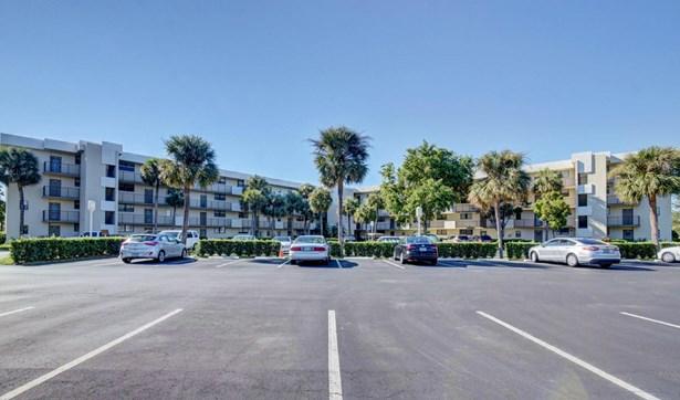 2440 Deer Creek Country Club Boulevard Unit 110-c, Deerfield Beach, FL - USA (photo 1)