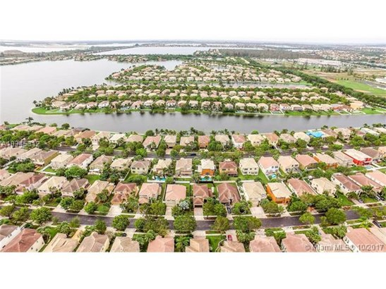5000 Sw 163rd Ave, Miramar, FL - USA (photo 5)