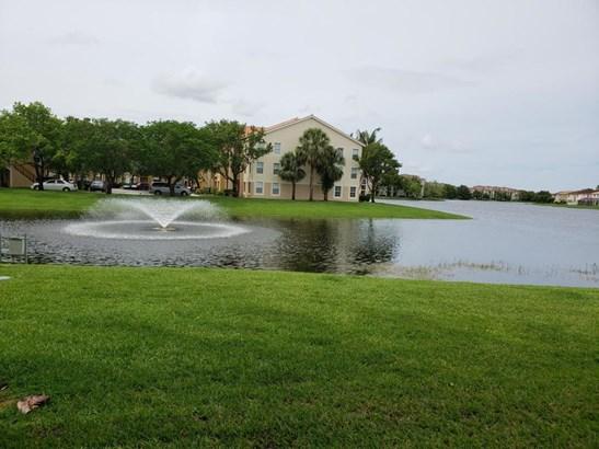 4190 San Marino Boulevard Unit 106, West Palm Beach, FL - USA (photo 1)