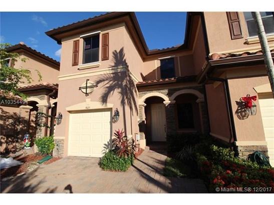 9025 W 33rd Ave, Hialeah Gardens, FL - USA (photo 1)