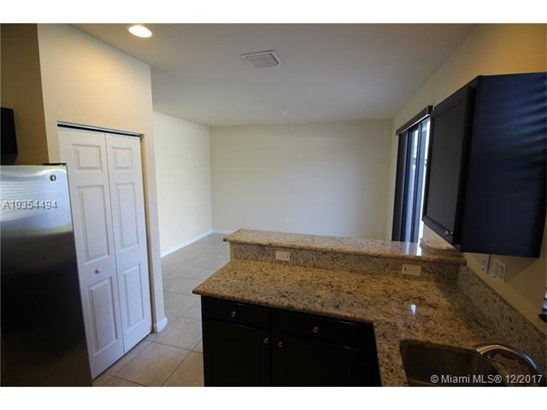 9025 W 33rd Ave, Hialeah Gardens, FL - USA (photo 3)