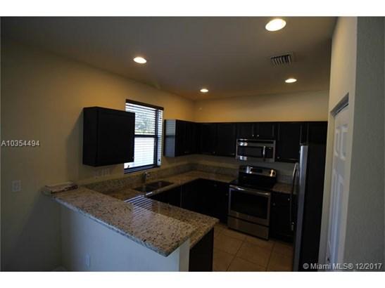 9025 W 33rd Ave, Hialeah Gardens, FL - USA (photo 5)