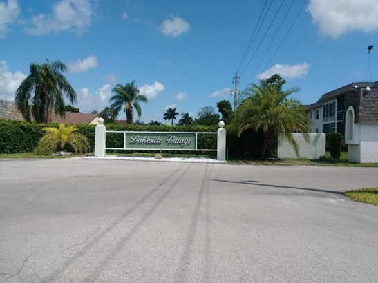 200 Bonnie Boulevard Unit 127, Palm Springs, FL - USA (photo 2)