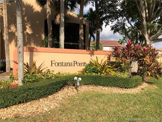 8210 Nw 191st St  #25-h, Hialeah, FL - USA (photo 1)