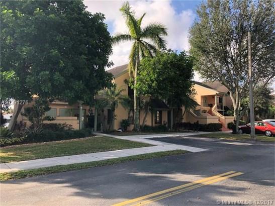 8210 Nw 191st St  #25-h, Hialeah, FL - USA (photo 2)