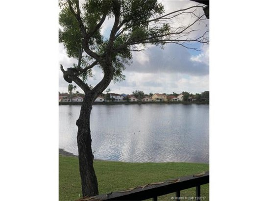 8210 Nw 191st St  #25-h, Hialeah, FL - USA (photo 4)