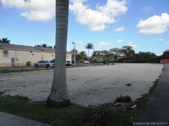 961 W Palm Dr, Florida City, FL - USA (photo 3)