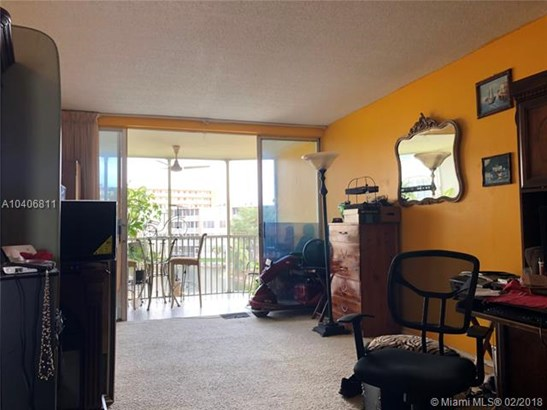 1690 Ne 191  #304, North Miami Beach, FL - USA (photo 1)