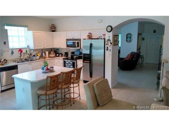 Single-Family Home - Miramar, FL (photo 2)