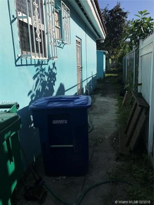 3070 Nw 51st Ter, Miami, FL - USA (photo 3)