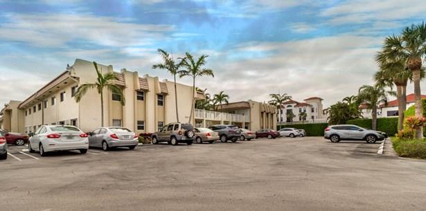 624 Snug Harbor Drive Unit B13, Boynton Beach, FL - USA (photo 2)