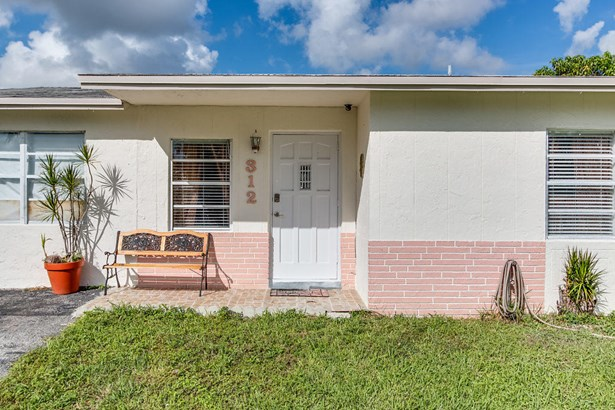 312 Sw 80th Terrace, North Lauderdale, FL - USA (photo 2)