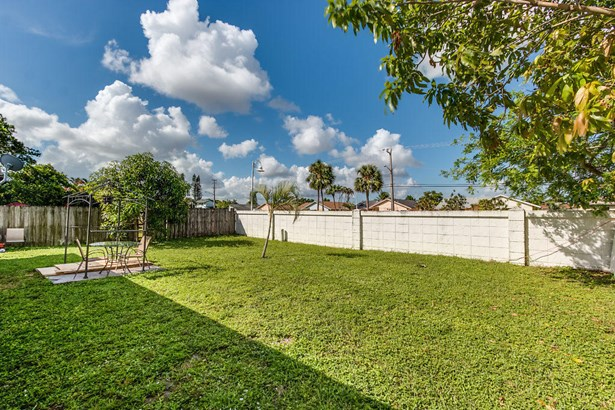 312 Sw 80th Terrace, North Lauderdale, FL - USA (photo 3)