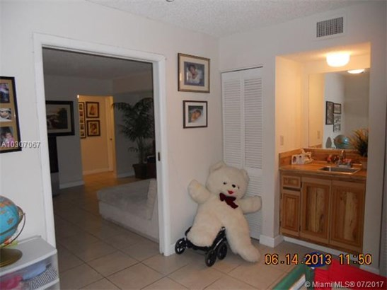 Rental - Miami, FL (photo 5)