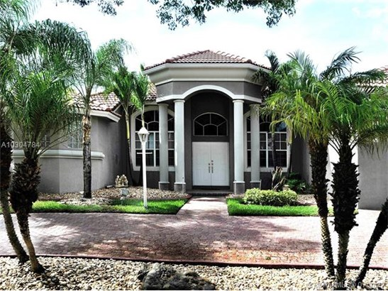 Single-Family Home - Pembroke Pines, FL (photo 1)