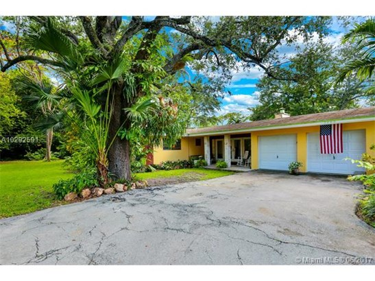 Single-Family Home - Miami, FL (photo 2)