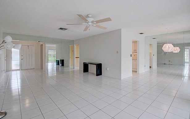 6243 Red Cedar Circle, Greenacres, FL - USA (photo 4)