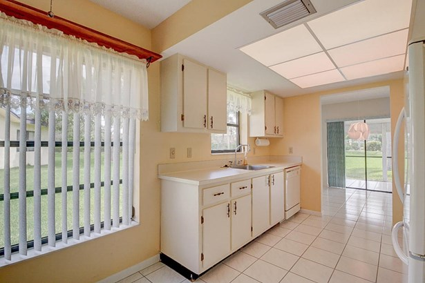 6243 Red Cedar Circle, Greenacres, FL - USA (photo 5)