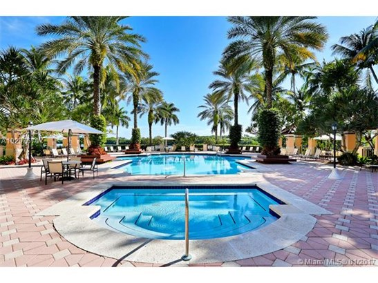 13641 Deering Bay Dr  #147, Coral Gables, FL - USA (photo 3)