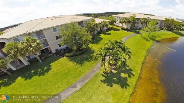 5061 Wiles Rd #104, Coconut Creek, FL - USA (photo 3)