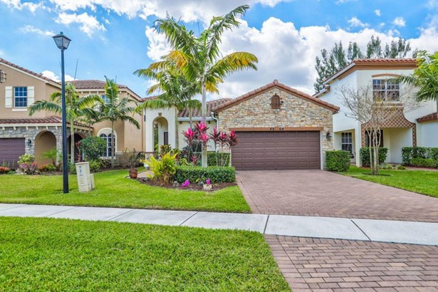 4664 Capital Drive, Lake Worth, FL - USA (photo 1)