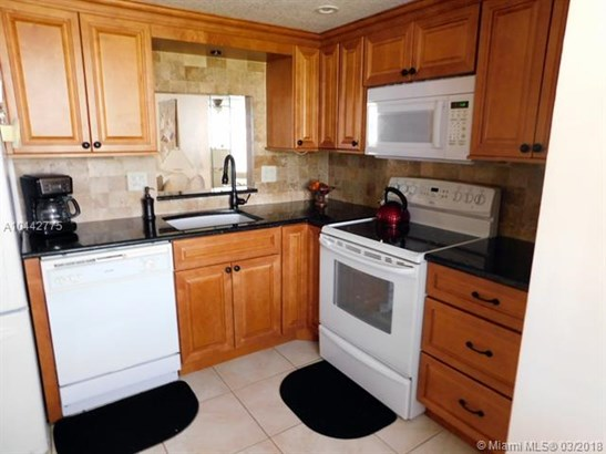 1470 Nw 80th Ave  #401, Margate, FL - USA (photo 3)