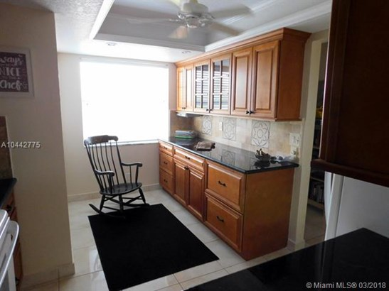 1470 Nw 80th Ave  #401, Margate, FL - USA (photo 5)