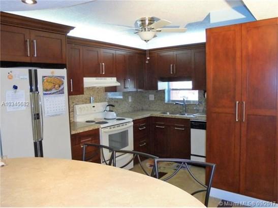 9200 N Hollybrook Lake Dr  #108, Pembroke Pines, FL - USA (photo 4)