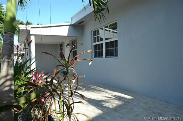 11264 Sw 2nd St, Sweetwater, FL - USA (photo 2)