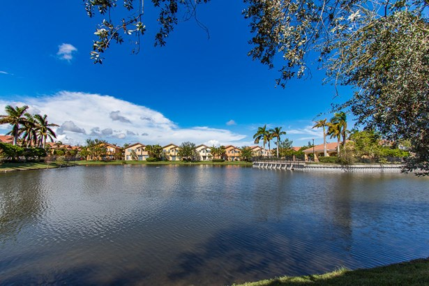 2913 Carvelle Drive, Riviera Beach, FL - USA (photo 1)