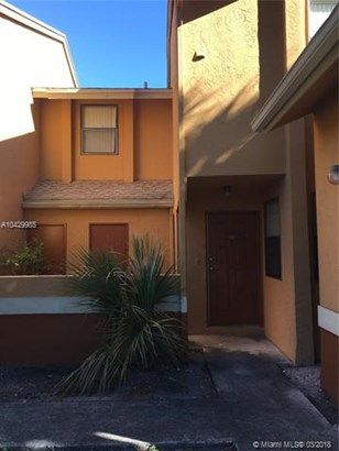 2481 Nw 56th Ave  #5-16, Lauderhill, FL - USA (photo 2)