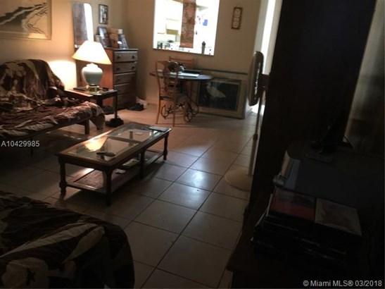 2481 Nw 56th Ave  #5-16, Lauderhill, FL - USA (photo 4)