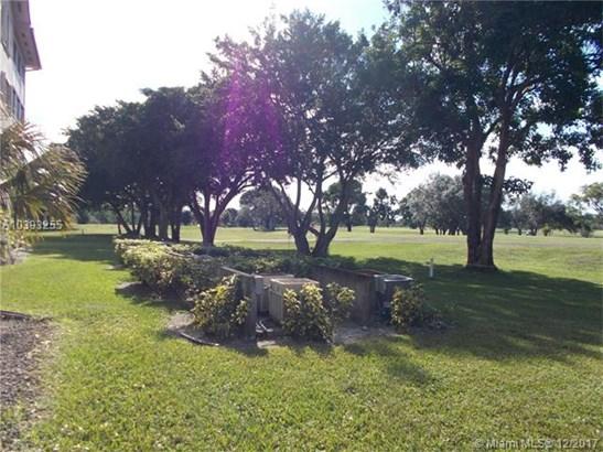 300 Sw 130th Ter  #105b, Pembroke Pines, FL - USA (photo 1)
