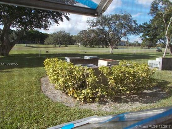 300 Sw 130th Ter  #105b, Pembroke Pines, FL - USA (photo 3)
