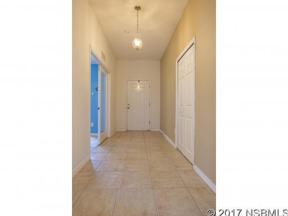 Single-Family Home - Edgewater, FL (photo 4)