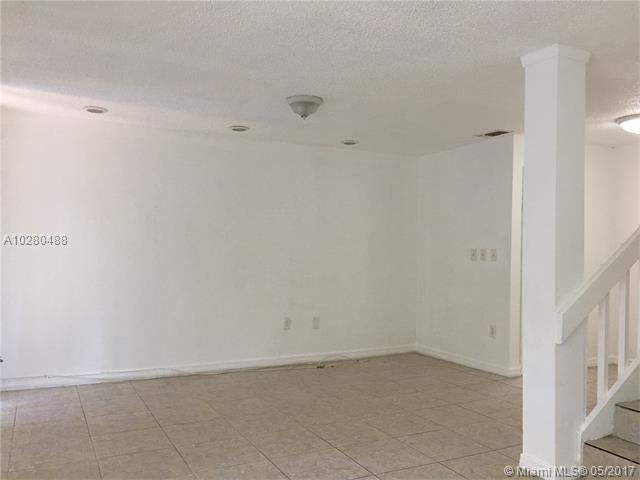 Condo/Townhouse - North Miami, FL (photo 2)