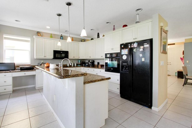 11930 Sw Knightsbridge Lane, Port St. Lucie, FL - USA (photo 5)