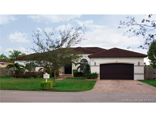 8210 Sw 189th Ter, Cutler Bay, FL - USA (photo 1)
