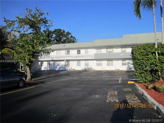 1860 Venice Park Dr, North Miami, FL - USA (photo 2)