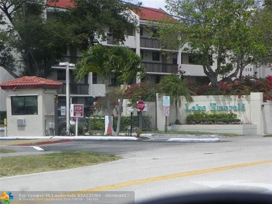 117 Lake Emerald Dr #302, Oakland Park, FL - USA (photo 2)