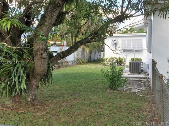 1150 Sw 63rd Ave, West Miami, FL - USA (photo 4)