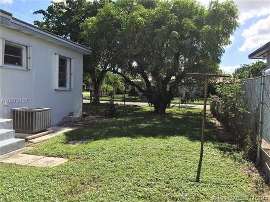 1150 Sw 63rd Ave, West Miami, FL - USA (photo 5)