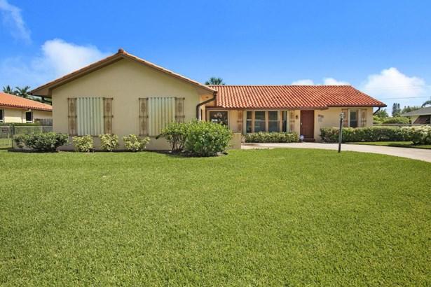 Single-Family Home - Lake Clarke Shores, FL (photo 1)