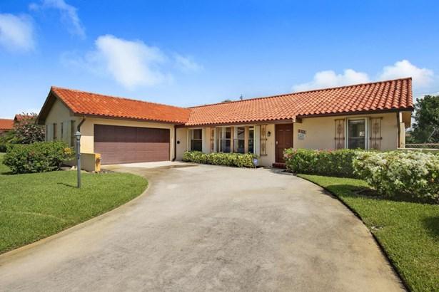Single-Family Home - Lake Clarke Shores, FL (photo 2)