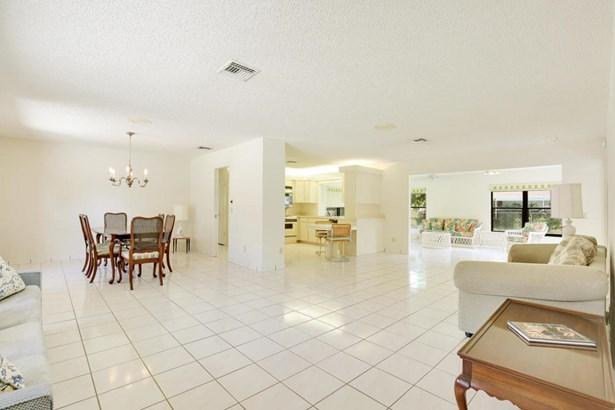 Single-Family Home - Lake Clarke Shores, FL (photo 5)